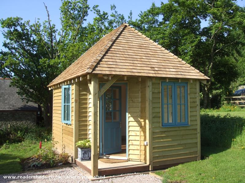 Tiphayes Love Shed