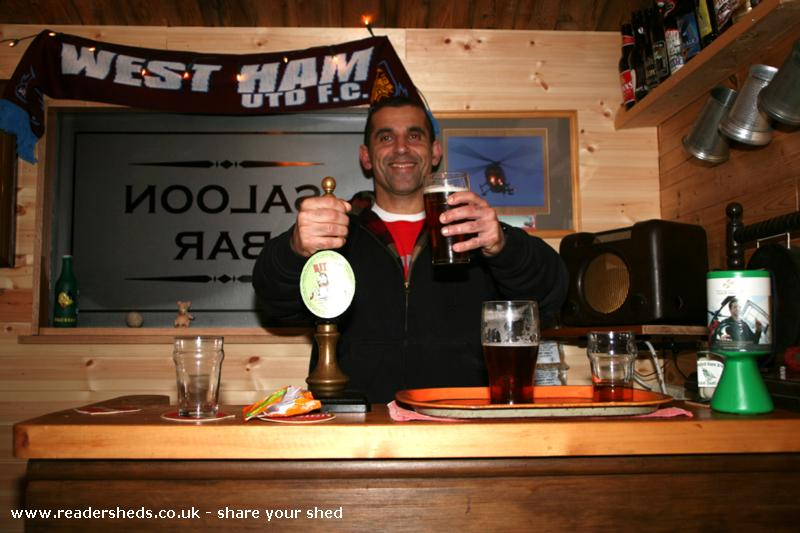 Photo of The Unicorn, entry to Shed of the year-Reza called by from the USA to pull a pint!
