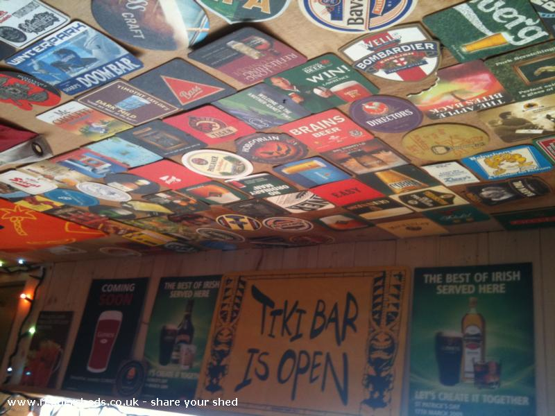 LiLi's Bar