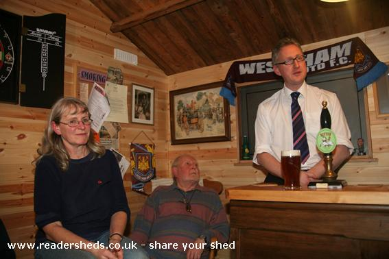 Photo of The Unicorn, entry to Shed of the year-Lembit ᅱpik MP answers villagers questions  November 09
