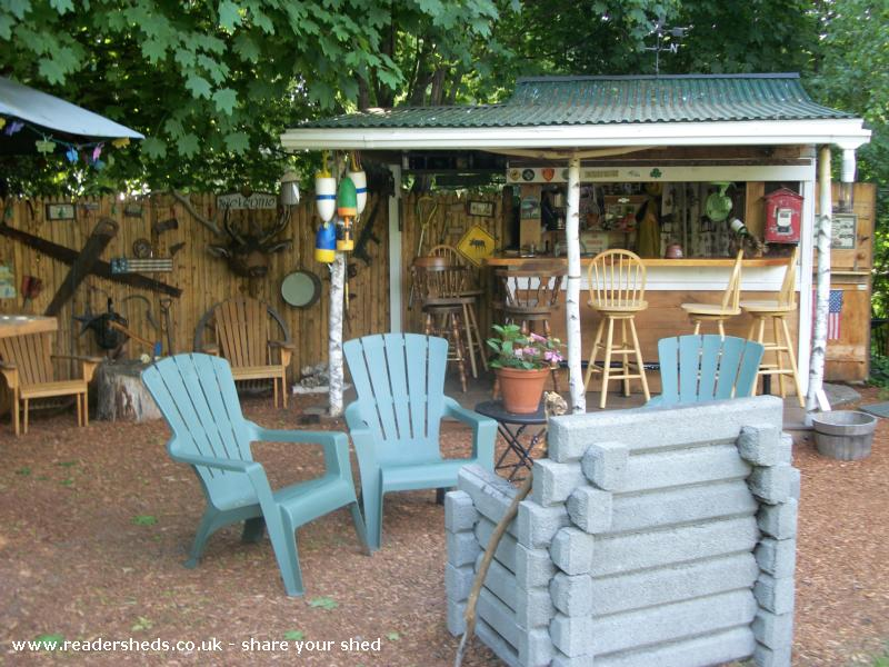 Photo of Redneck Tiki, entry to Shed of the year-getting ready for the party