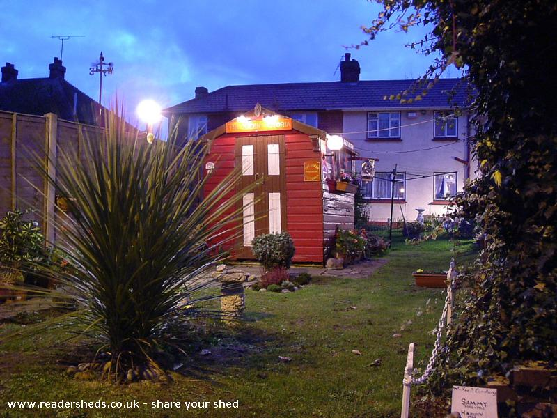 Photo of The Queen Victoria, entry to Shed of the year-Front and Side View