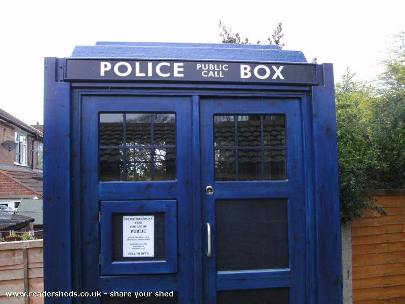 Photo of crichton-allen TARDIS, entry to Shed of the year-top sign