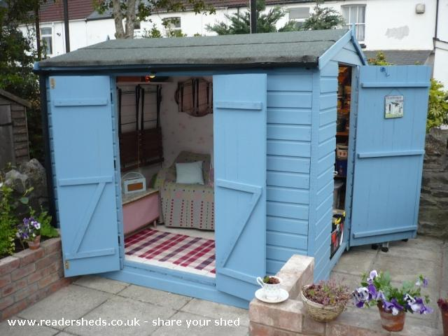 Photo of Mini Jeff, entry to Shed of the year-Front and internal view