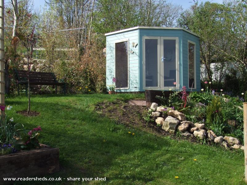 Nessy's shabby chic shed