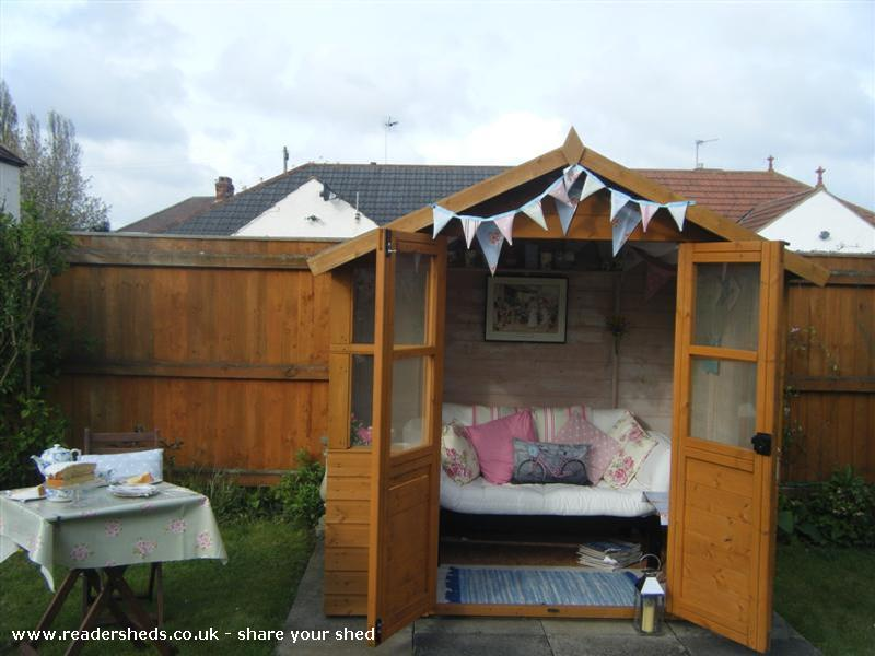 Shed-dingham Palace