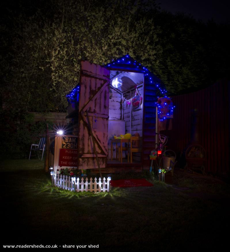 Photo of The Essex Retreat , entry to Shed of the year-inside