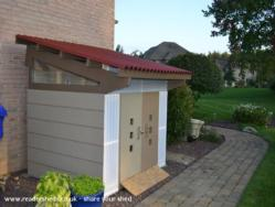 Modern Playhouse/Shed - Sheldon - Next to house