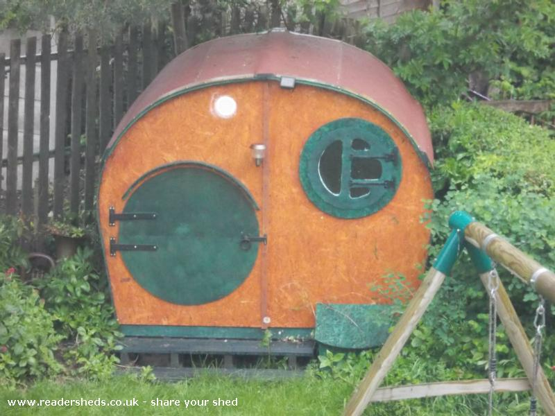 Sol's Hobbit Hole - Stephen Wood - Bottom of Garden