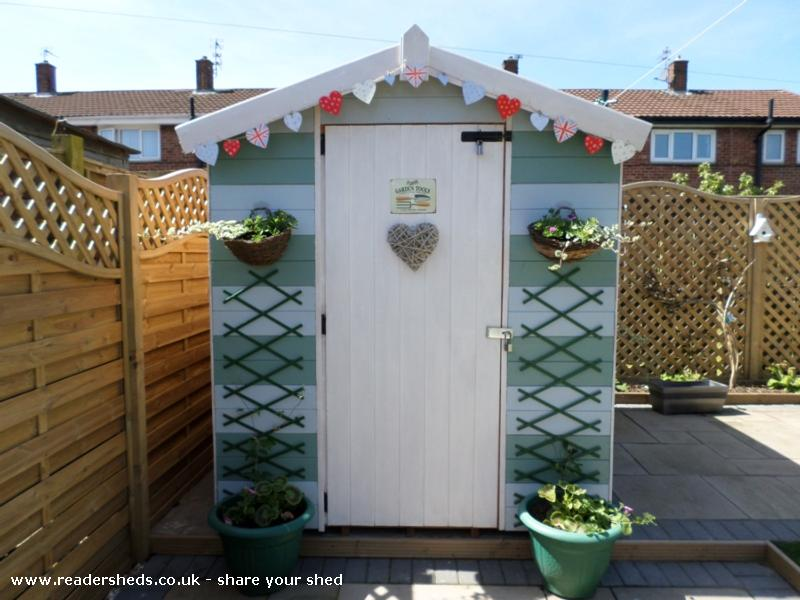 Beach hut shed unique from garden owned by dawn for Beach hut style