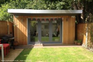 Cetti Manors - James Bernhard - Garden in Central London