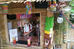 The Tiki Hut - Andrew lennoxkay - garden
