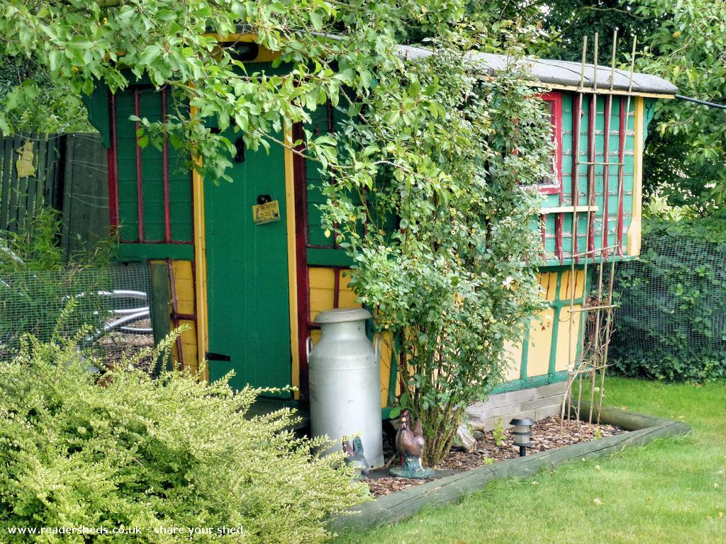 Photo of Gypsy Shed, entry to Shed of the year-Front and side view
