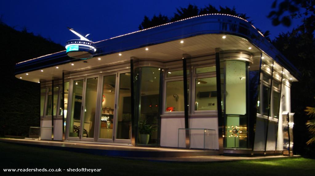 Starliner Diner  - Chris Galley - Back Garden