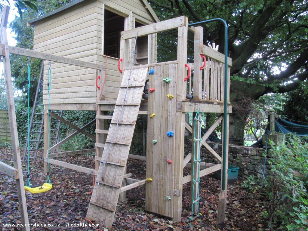 Archie's Adventure Centre - Tony Palframan - Garden