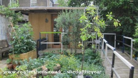 The Old Girl - Leslie Barson - Urban Garden