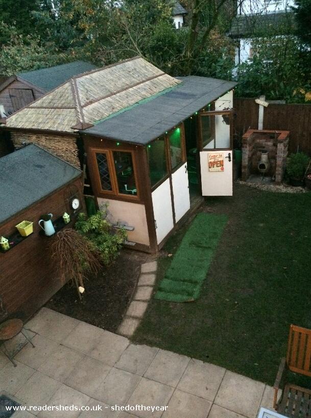 THE COCK INN - Wayne livesey   - garden