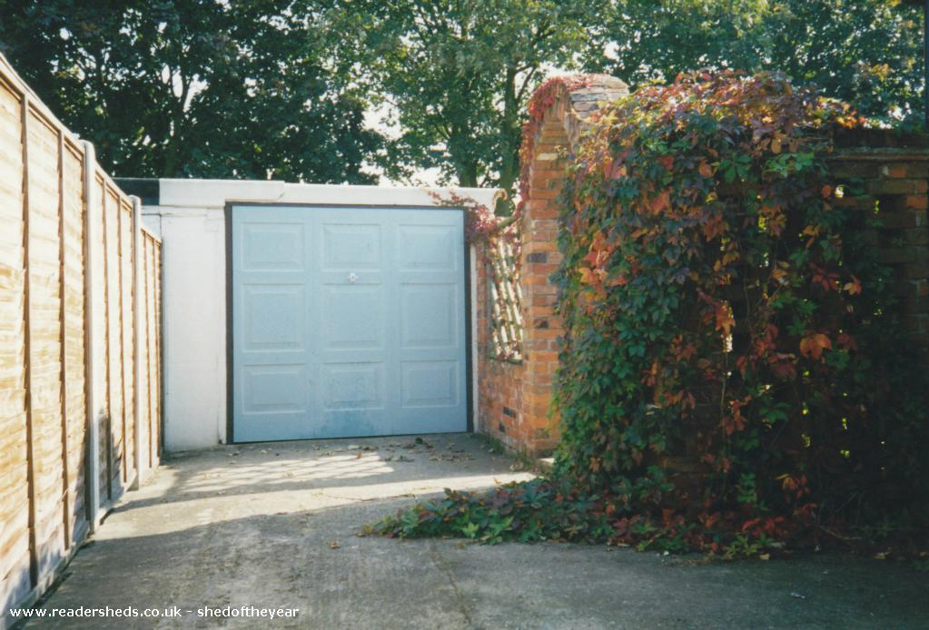 Photo of The Talliston Cabin, entry to Shed of the year-The Cabin: the original old garage