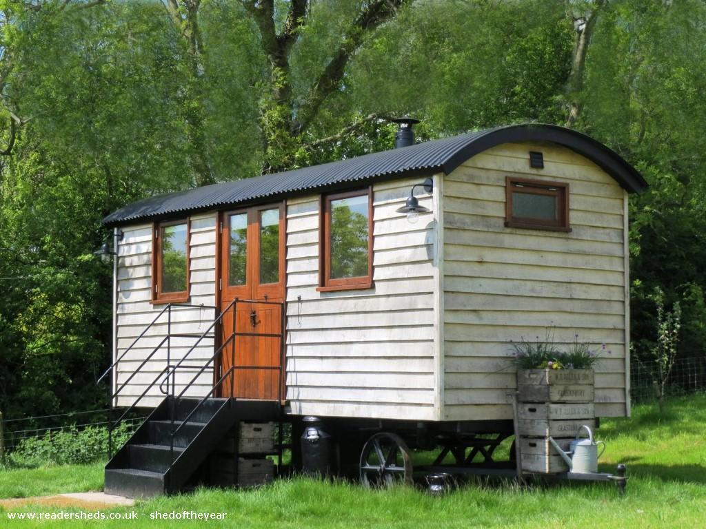 len's hut - Phil Russell - field