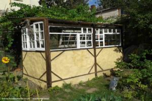 The Witney Wonder - Rupert Mayhew - Garden