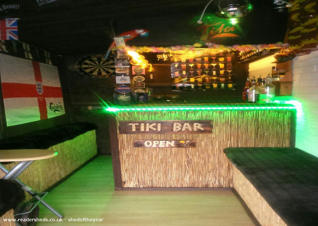 Tiki bar  - kevin Pearson  - tingley