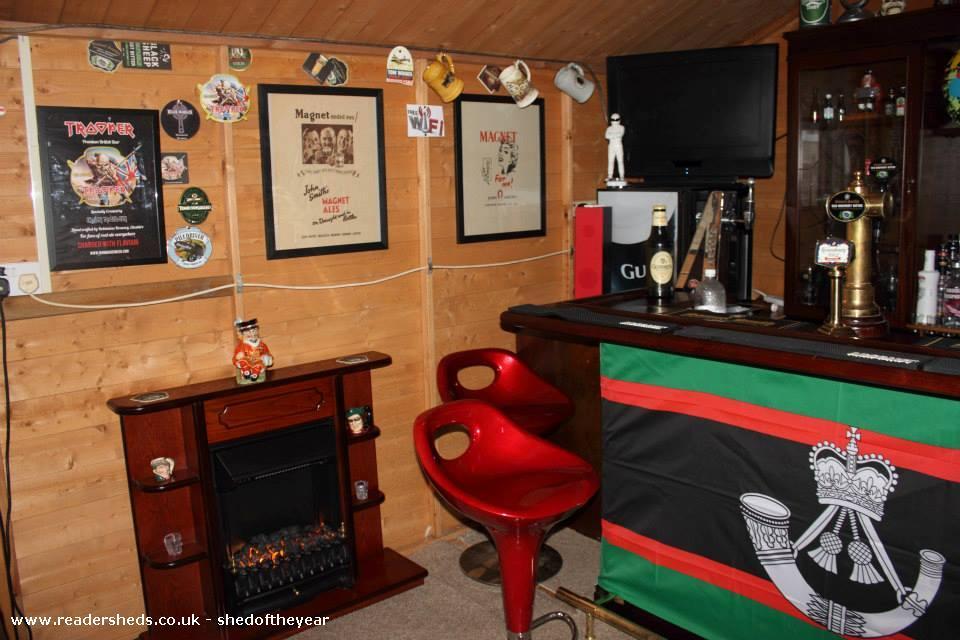 Lukes Bar