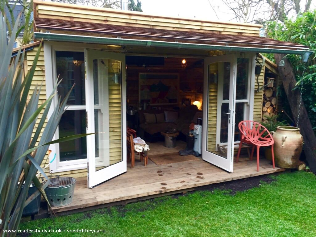 how to make a garden shed from pallets