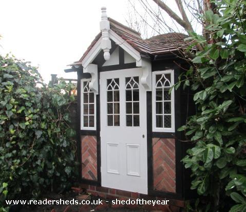 The Tudor Triangle - G Mountford - Rear Garden