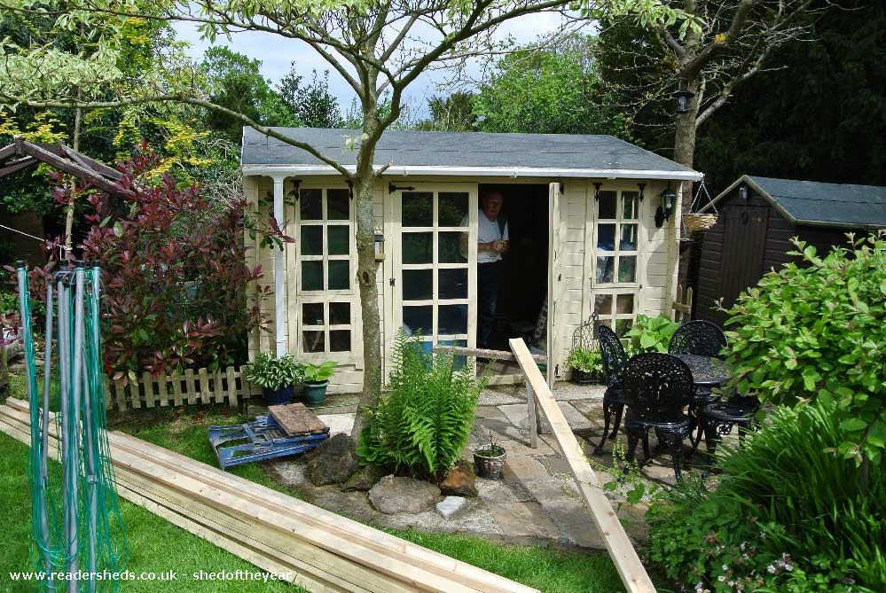 Rileys Bar - Garry Saunders - Garden
