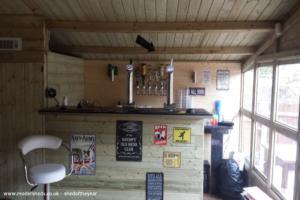 grumpys bar - nigel - garden