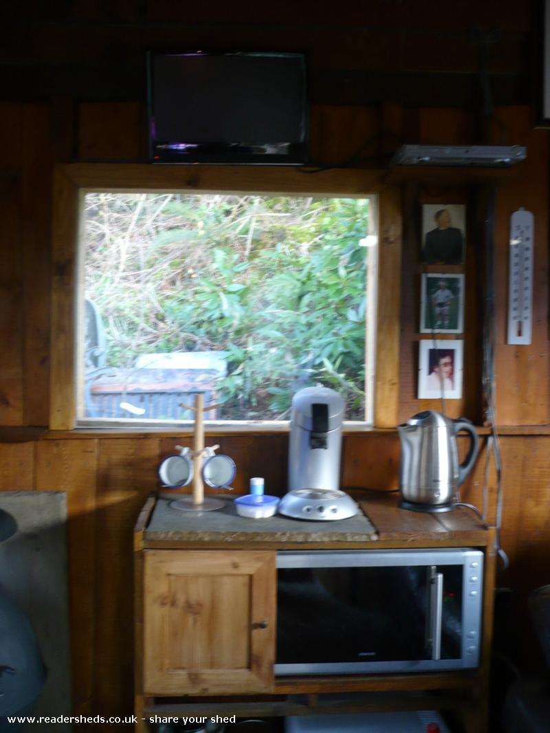 Pat\'s Cabin, Workshop/Studio from Semi-Rural Garden owned by Pat ...