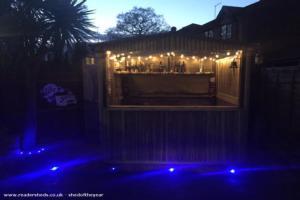 Tiki Spa Bar (the black lagoon) - Lee Malyon - Garden