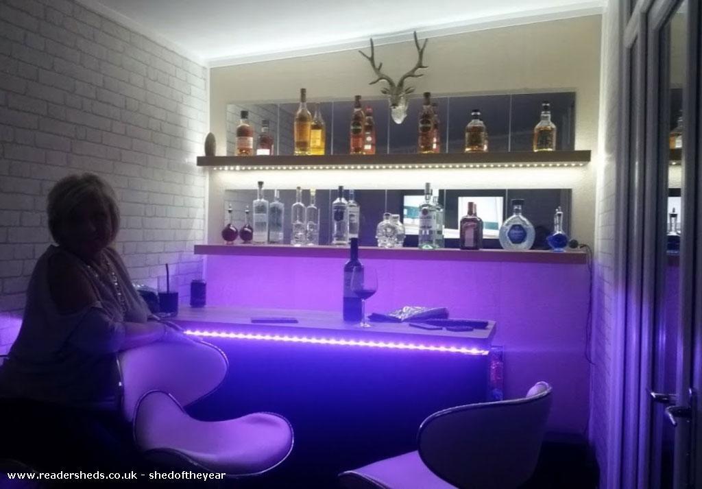 ZZs Bar