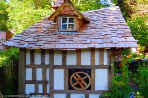 old garden shed - Brian - garden