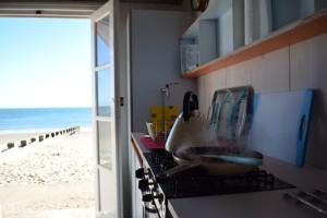 The beachhut - Jonty Craig - Beach