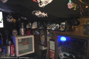 Skull lounge  - Nicholas Feather - Garden
