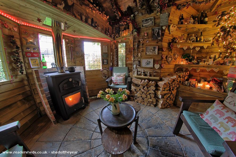 Photo of Love Shack Argentum, entry to Shed of the year-Fish eye internal view to front of shed