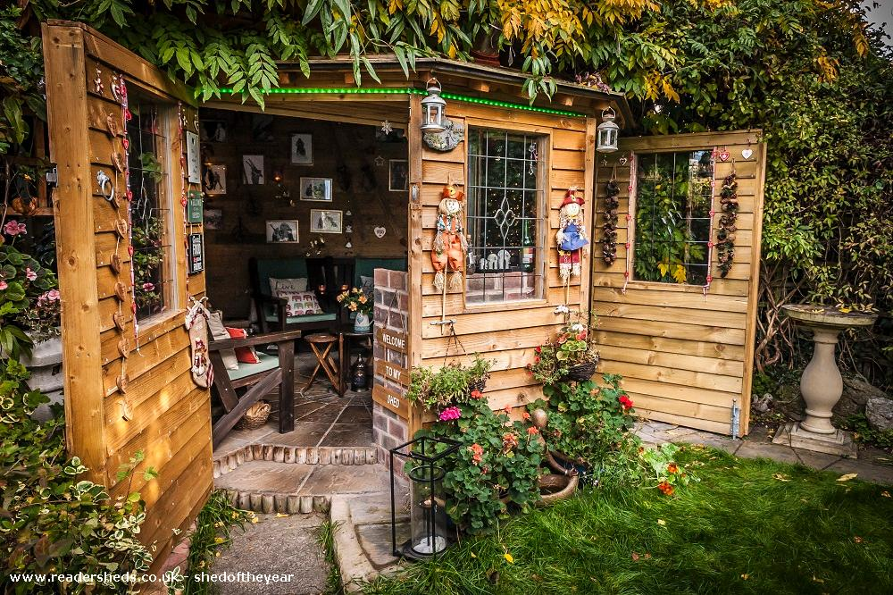 Photo of Love Shack Argentum, entry to Shed of the year-Autum view both outside doors open