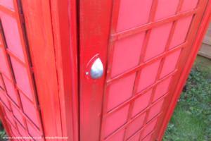 Red phone box shed - Rick kalba - Garden