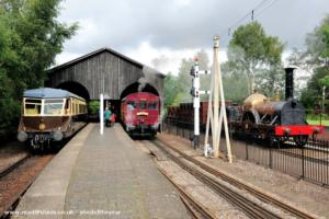 Didcot Railway Centre Transfer Shed - Roger Orchard - Didcot Railway Centre  railway platform