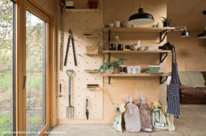 The Potting Shed (home of Black Shed Ceramics) - Jenny - Walthamstow, London