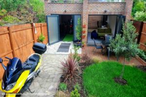 The Orangery - Mark Hucke - Garden behind my flat in a coverted semi-detached house
