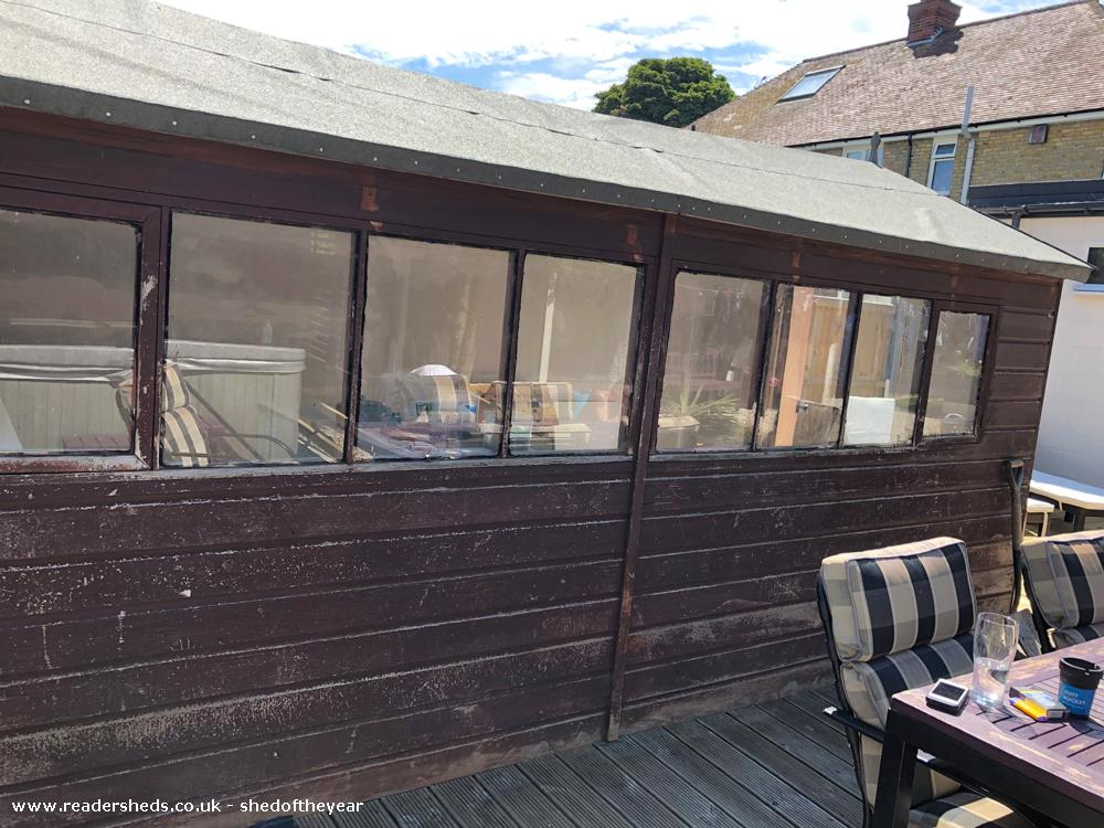 Photo of Leo's Bar & Spa, entry to Shed of the year-Outside