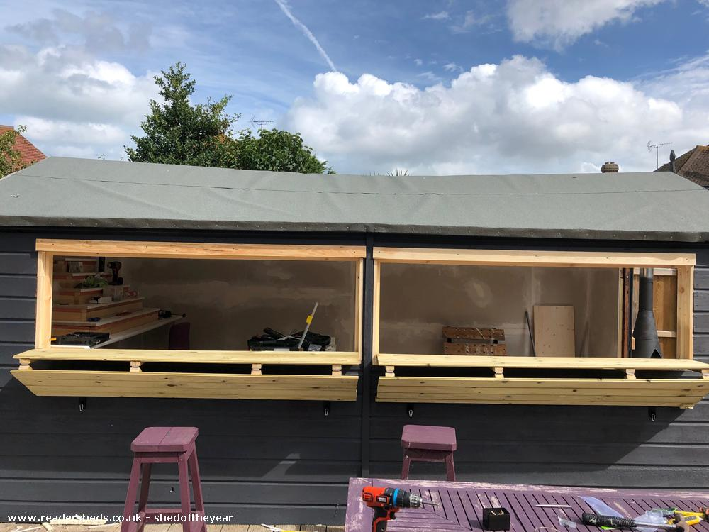 Photo of Leo's Bar & Spa, entry to Shed of the year-Shutters