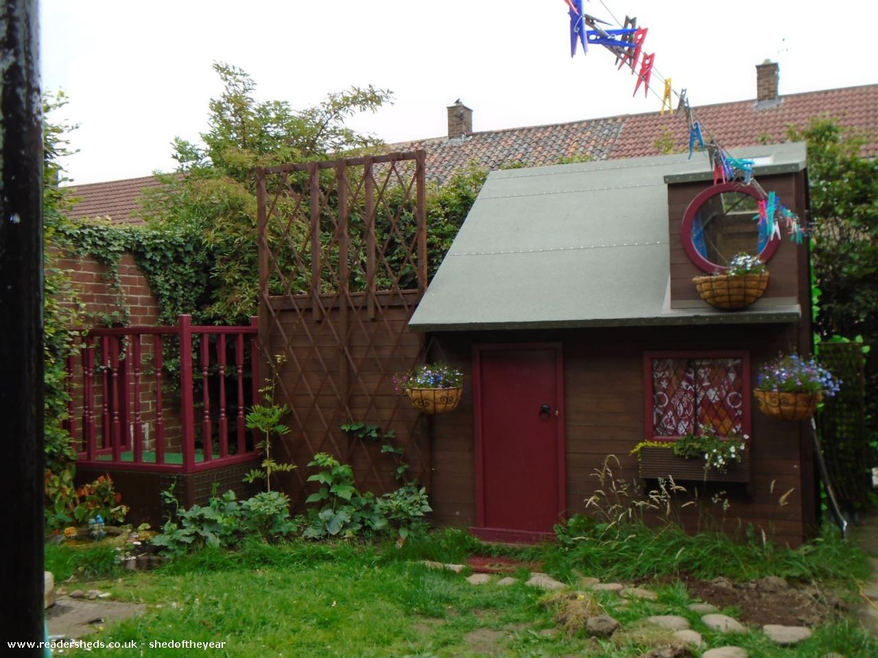Photo of Ellie's Den, entry to Shed of the year-front